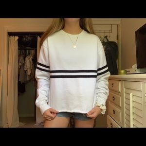 Adorable Brandy Melville sweatshirt!!